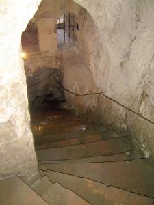 Mina stairs in the House of the Moorish King © Robert Bovington