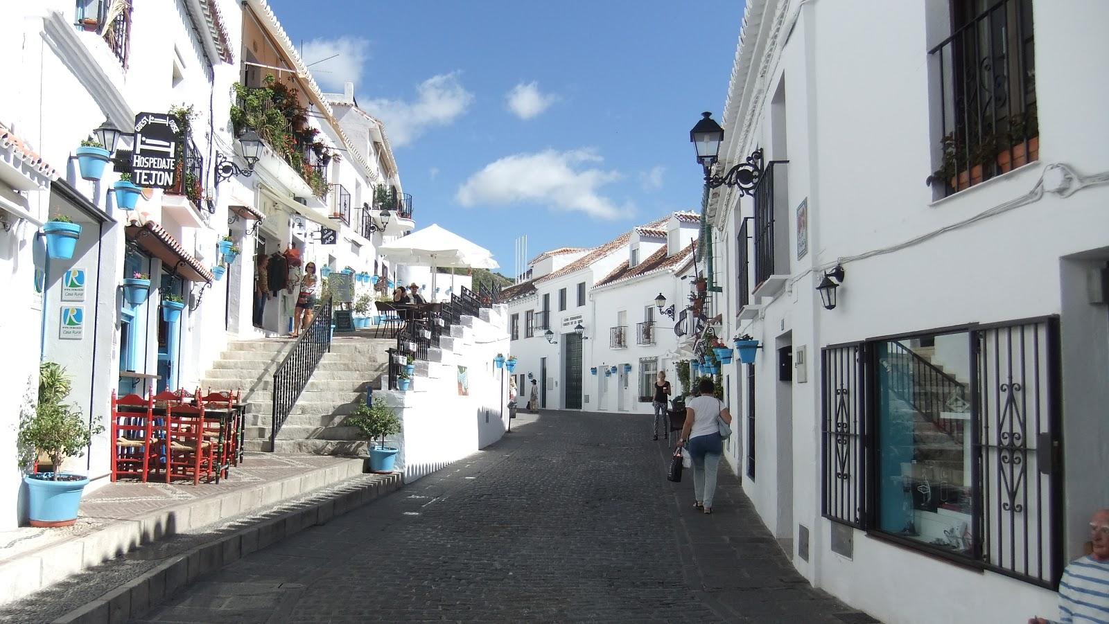 Mijas a pueblo blanco in the costa del sol spanish - Costa muebles mijas ...
